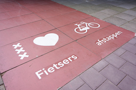 JOELIX.com | Amsterdam loves cyclists