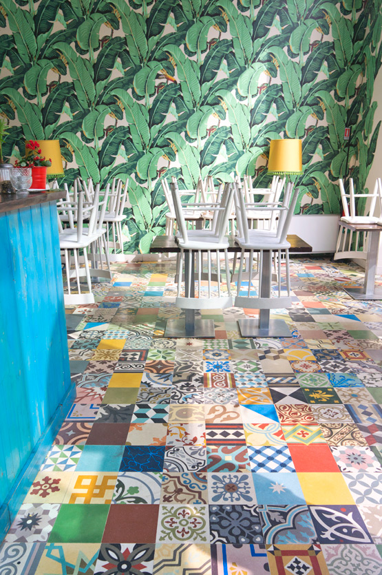 JOELIX.com | Colorful patterned tiles at Temakinho in Milan, Italy