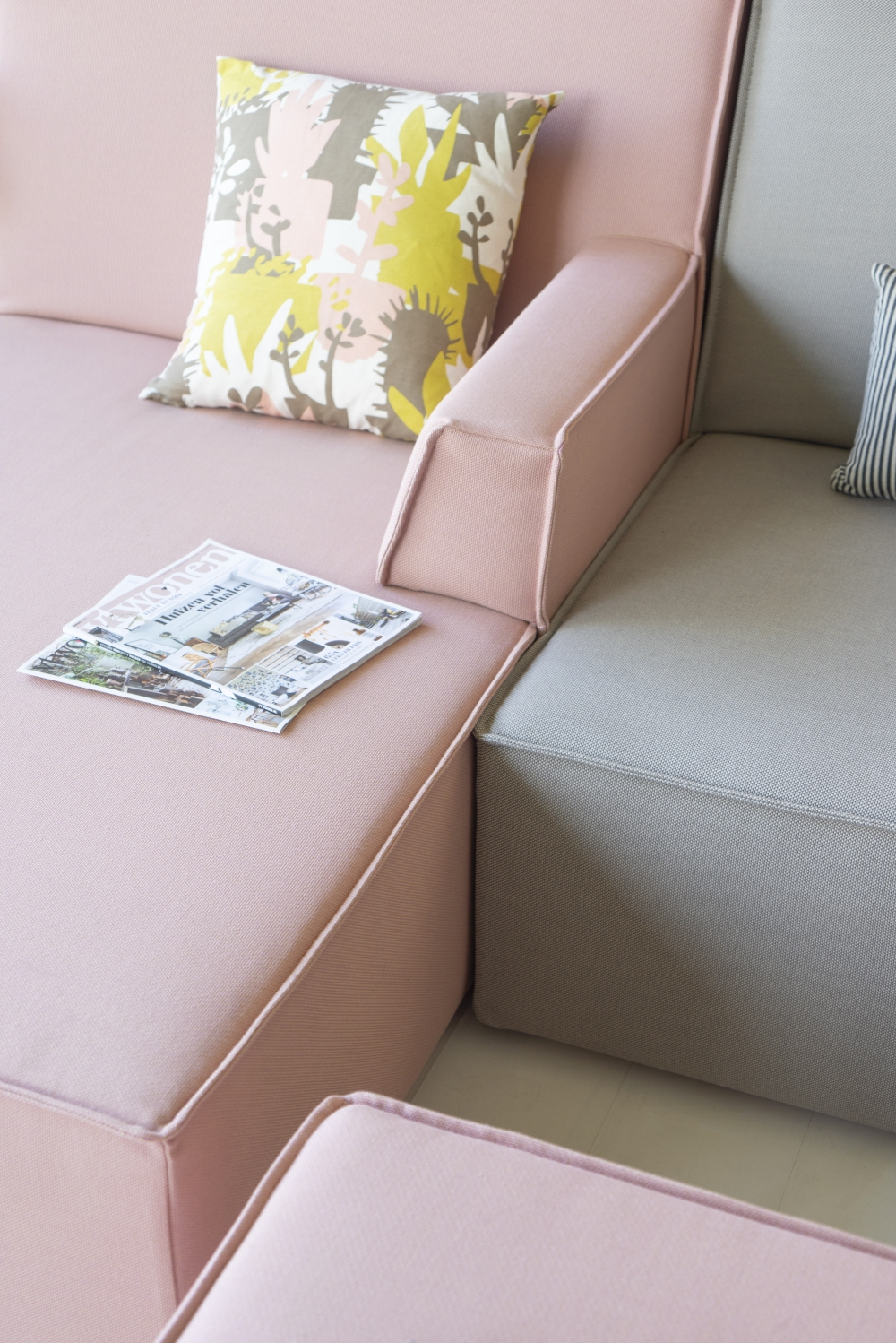 JOELIX.com | Our new pink & grey sofa from Cubit #cubit #cubitshop