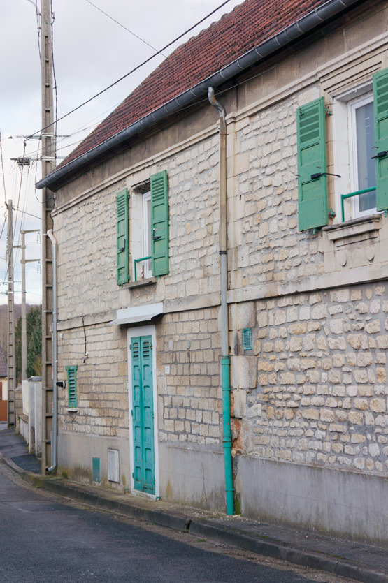 JOELIX.com | Emerald green shutters in France