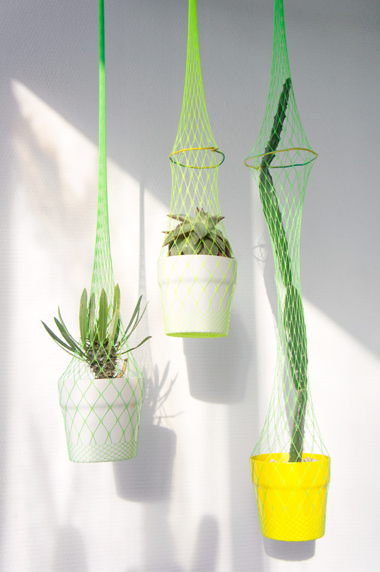 JOELIX.com | hanging planters DIY with neon fishnet tights