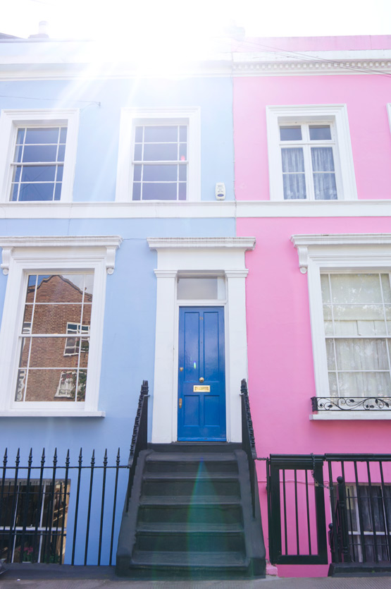 JOELIX.com | Notting Hill London colorful houses blue and pink