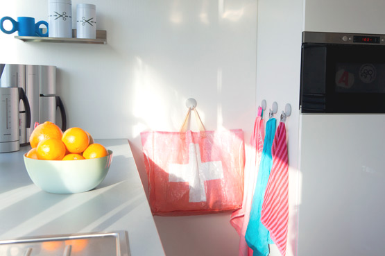 JOELIX.com | Our kitchen with Hay Textiellab and Hema teatowels