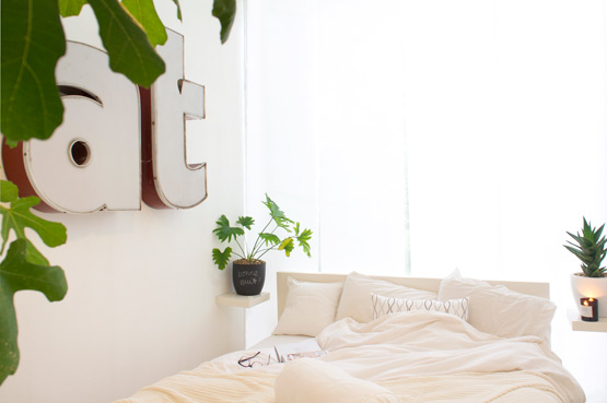 JOELIX.com | Cosy and green bedroom