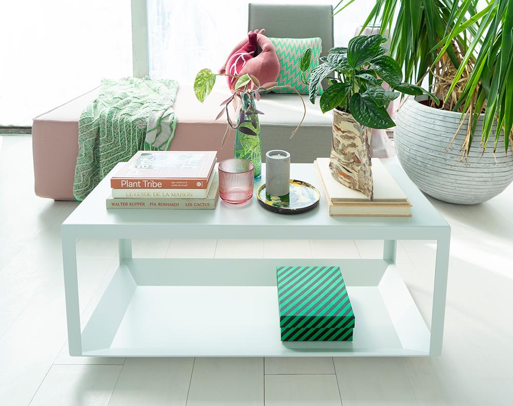JOELIX.com | Cubit steel table in grey with plants #urbanjunglebloggers